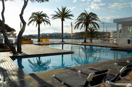 Amare Beach Hotel zwembad