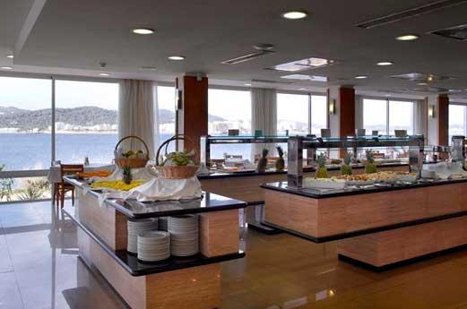 Amare Beach Hotel restaurant