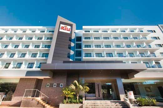 Hotel Riu Bravo voorkant
