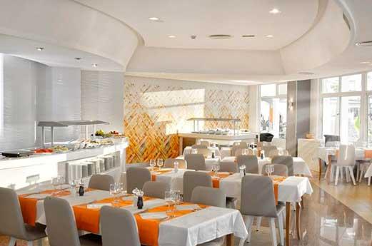 Waikiki hotel restaurant