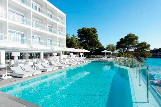 Ibiza Beach Resort zwembad