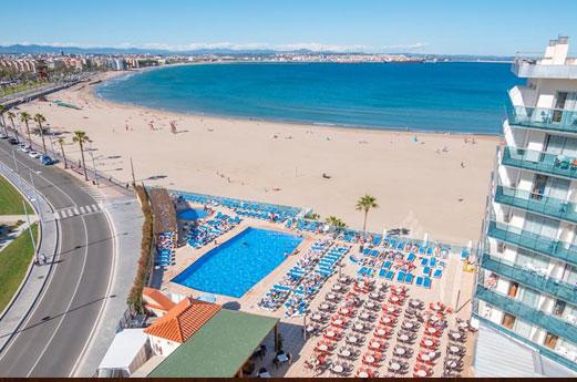 Hotel Golden Donaire Beach zwembad en strand