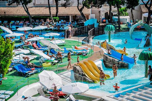 Hotel Es Talaial Zwembad