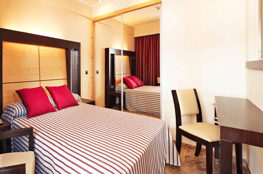 Hotel Mediterranean Bay Kamer