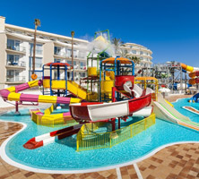 Globales Playa Estepona: Viersterrenhotel met nieuw waterpark gelegen aan de kust
