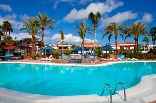 Dunagolf Suites Zwembad