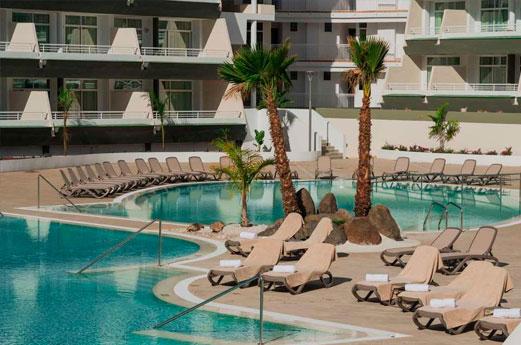 Gara Suites Golf & Spa Zwembad